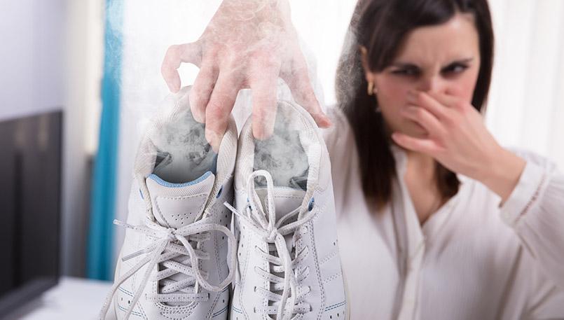 Cómo deshacerse del olor de los pies en los zapatos y medias rápidamente