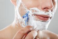 Cómo prevenir las quemaduras de afeitar en la piel y la cara