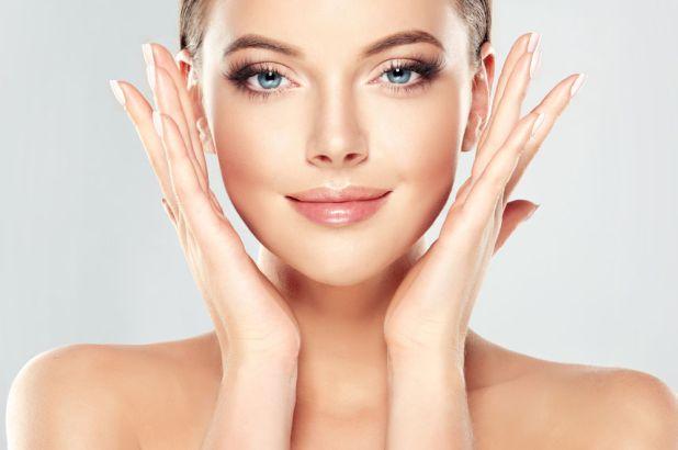 Cómo rejuvenecer la piel de la cara, las manos y debajo de los ojos.