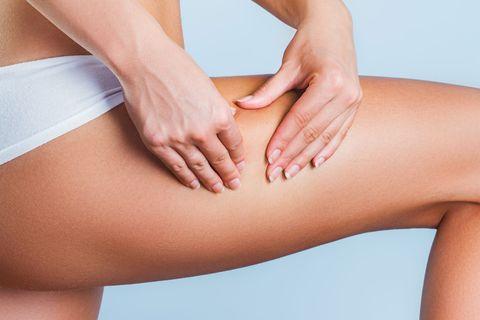 Cómo tratar la celulitis en las piernas, muslos, brazos y glúteos en casa