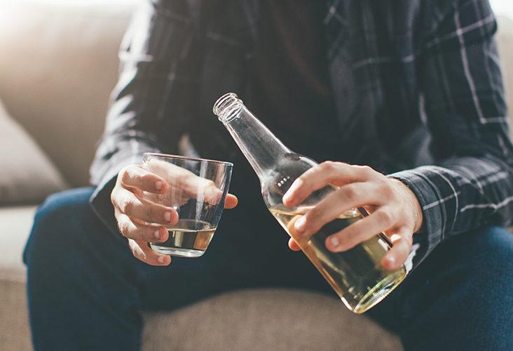 Consejos para deshacerse de la adicción al alcohol para siempre naturalmente