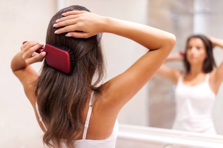Estos errores de cabello dejan tus puntas abiertas