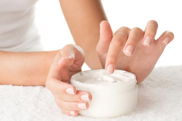 Las mejores recetas caseras de loción corporal fácil para la piel seca
