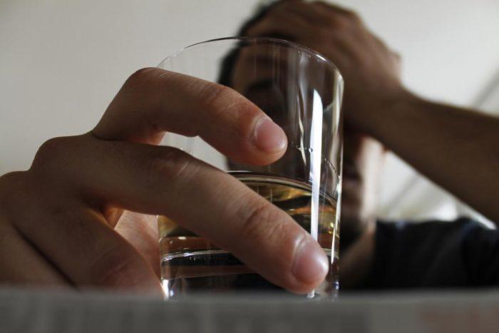 Por qué te sientes deprimida después de beber día