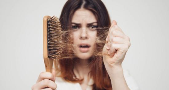 Razones por las que tu cabello se cae