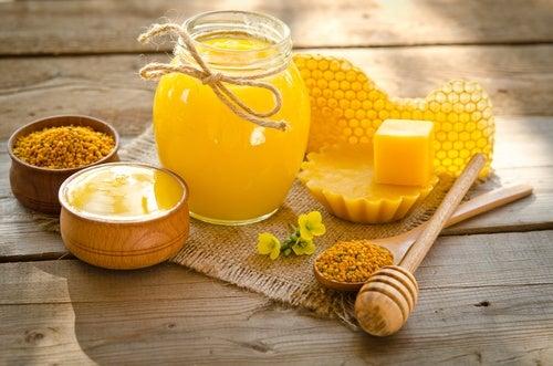 beneficios de la cera de abejas para la piel