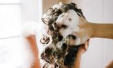 remedios de invierno para parches de cuero cabelludo seco y picazón en el cuero cabelludo en invierno
